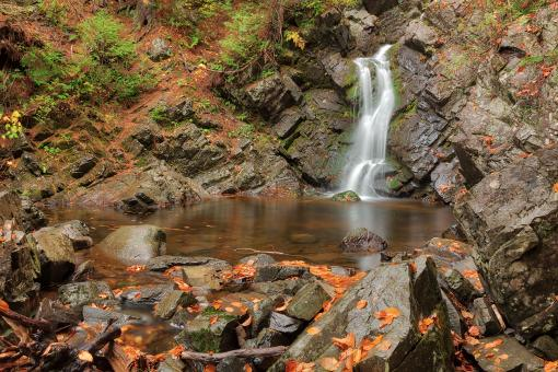 Free Stock Photo of Rugged Autumn Howland Falls
