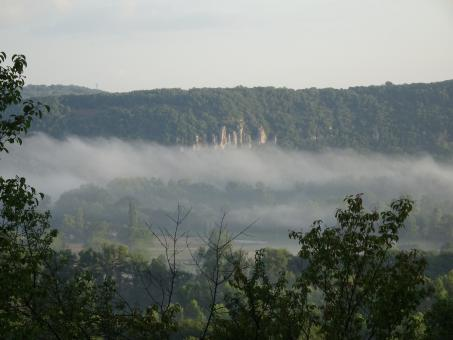 Free Stock Photo of Morning mist over the valley