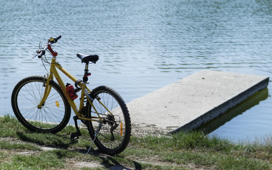 Free Stock Photo of Bicycle by the Lake