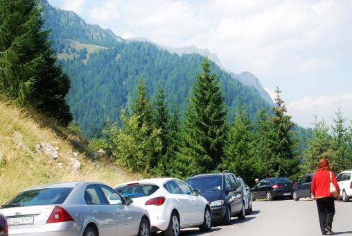 Free Stock Photo of Mountain Landscape - Cars on the Roadside