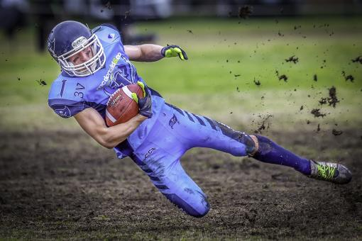 Free Stock Photo of Gridiron Football Player - Falling Down