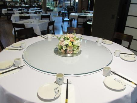Free Stock Photo of Round Table in a Restaurant