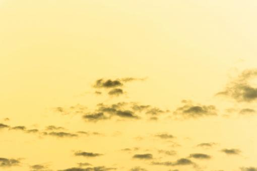 Free Stock Photo of Yellow sky and clouds