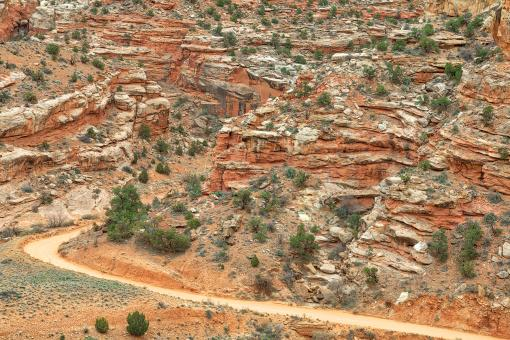 Free Stock Photo of Winding Dirt Road - Capitol Reef