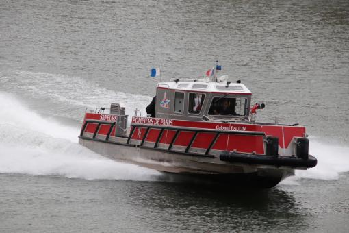 Free Stock Photo of Firemen's speedboat on the river Seine (Paris)