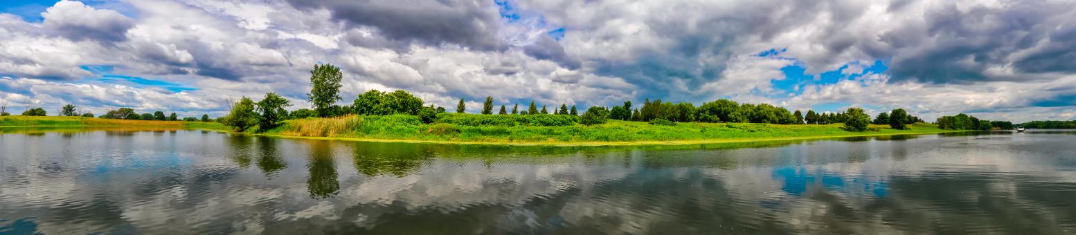 Free Stock Photo of Panoramic view of an island in the St Laurence river