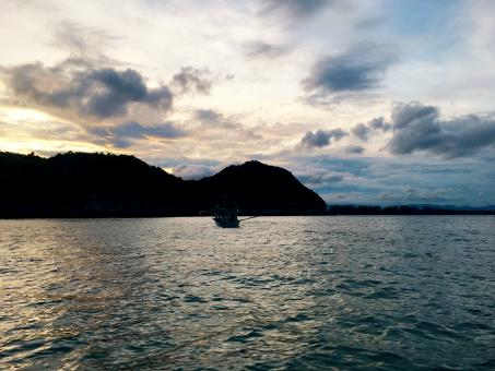 Free Stock Photo of Sunset in the sea Prachuap Khiri Khan