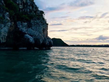 Free Stock Photo of Sunset in the sea - Prachuap Khiri Khan - Gulf of Thailand