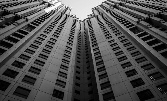 Free Stock Photo of Tall Buildings in Black and White