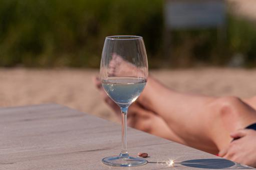 Free Stock Photo of White Wine and Relaxation