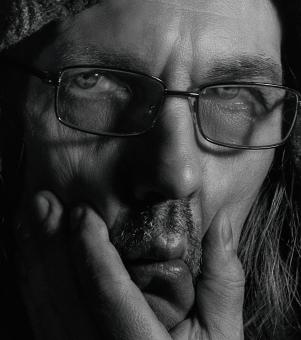 Free Stock Photo of Man With Glasses - Black and White Portrait
