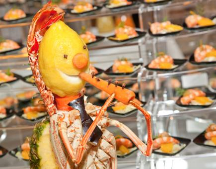 Free Stock Photo of Decoration made with lobster, lemon and carrot