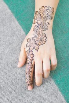 Free Stock Photo of Beautiful Female Henna Design