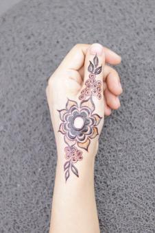 Free Stock Photo of Floral Henna Tattoo Design