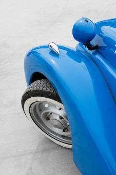 Free Stock Photo of Blue Vintage Car Wheel