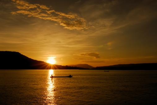 Free Stock Photo of Fishermen Life - Beautiful Sunset at the Mekong River