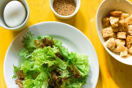 Free Stock Photo of Healthy salad, egg and breadcrumbs