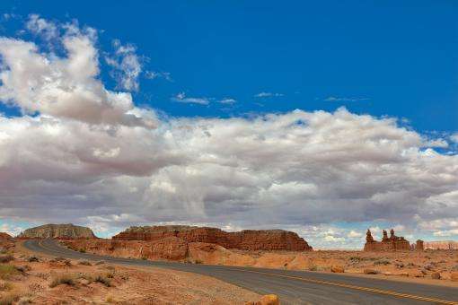 Free Stock Photo of Winding Desert Road of Goblin Valley