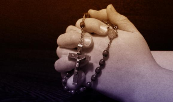 Free Stock Photo of Praying Hands with Rosary - Person Praying - Belief - Faith