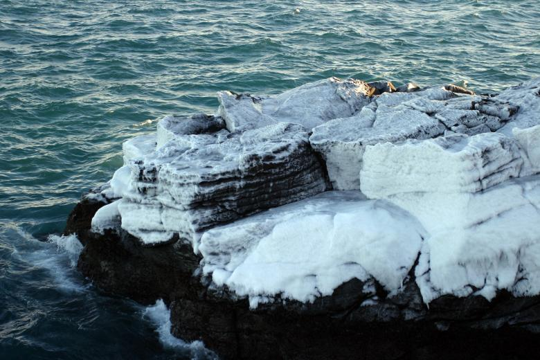 Free Stock Photo of Icy cliff Created by Héðinn