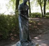 Free Photo - Sculpture of a woman