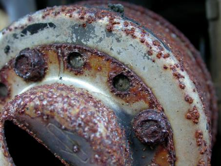 Rusted metal wheel - Free Stock Photo