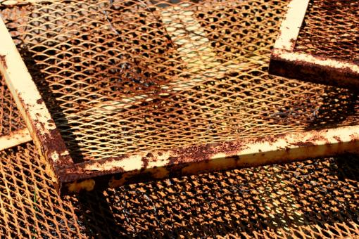 Rusted wire grid - Free Stock Photo