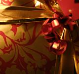 Free Photo - Gift wrapping close up