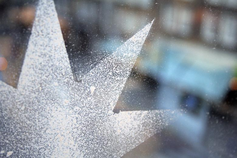 Free Stock Photo of Spray snow christmas star Created by damien van holten