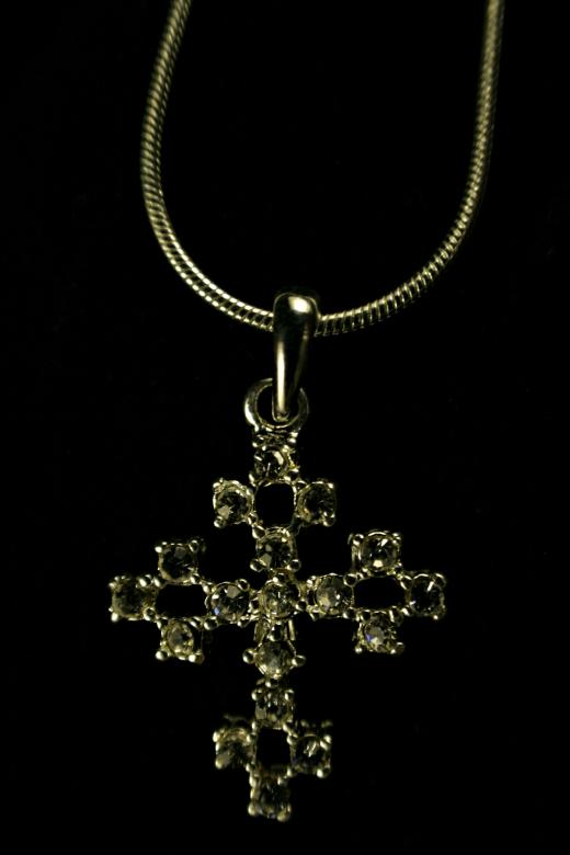 Free Stock Photo of Cross neclace Created by Bjorgvin