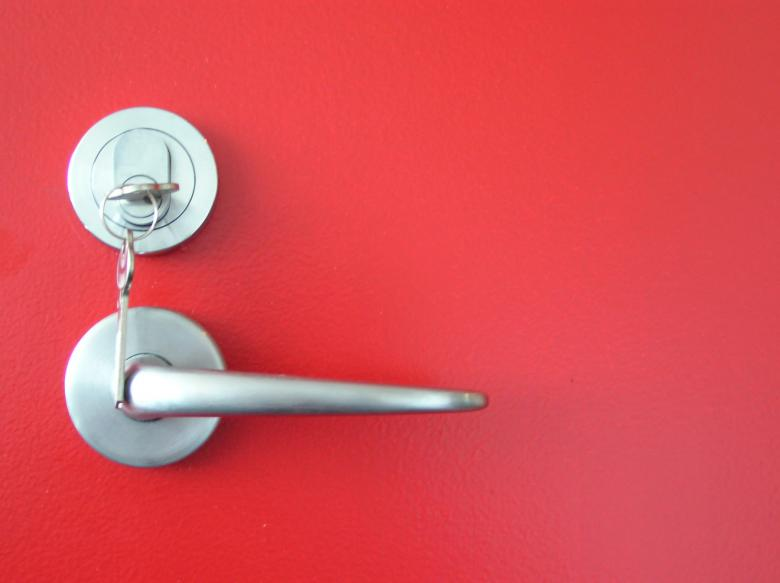 Door handle - Free Red Stock Photos