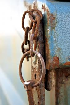 Rusted chain rings - Free Stock Photo
