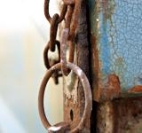 Free Photo - Rusted chain rings