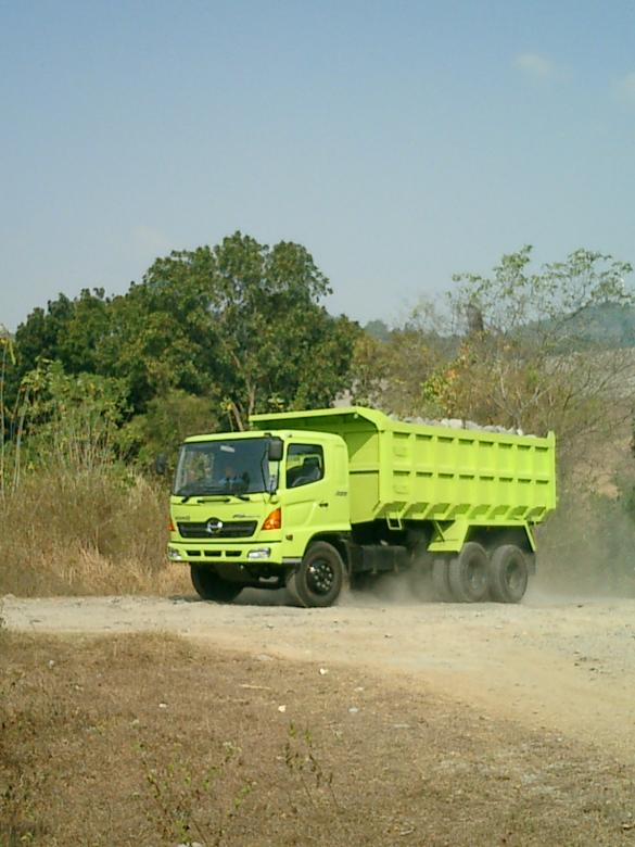 Free Stock Photo of Hino Truck Created by Budi Purwito