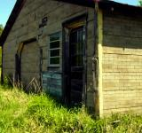 Free Photo - Old shed along road