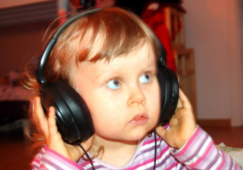 Free Stock Photo of Girl with headphones Created by norbert