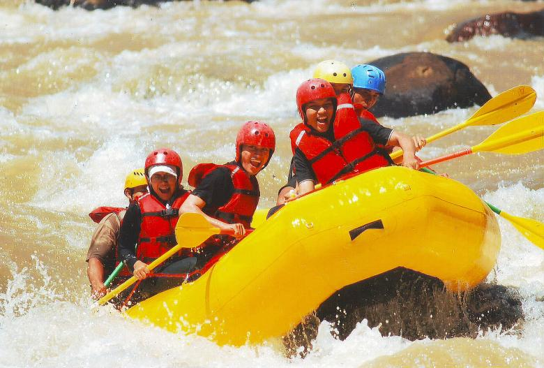 Free Stock Photo of River rafting Created by Didi Supardi