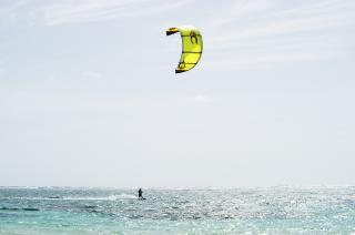 Kite boarding Free Photo