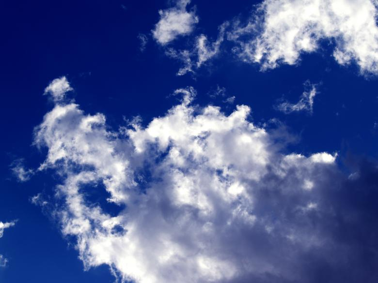 Free Stock Photo of Deep blue cloudy sky Created by Alen