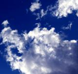 Free Photo - Deep blue cloudy sky