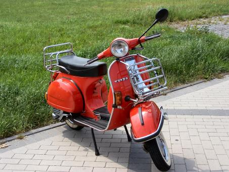 Old style scooter - Free Stock Photo