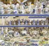 Free Photo - Artistic ceramic souvenirs