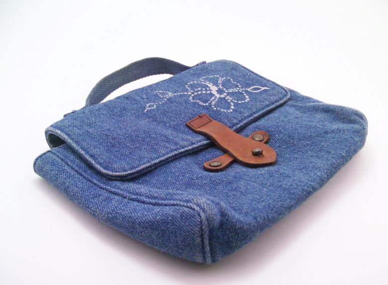 Free Stock Photo of Blue hand bag Created by homero chapa