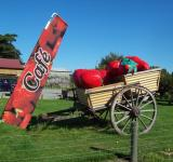 Free Photo - Butlers Berry Farm sugn and cart - Scene