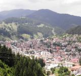 Free Photo - View of the town of Chepelare.