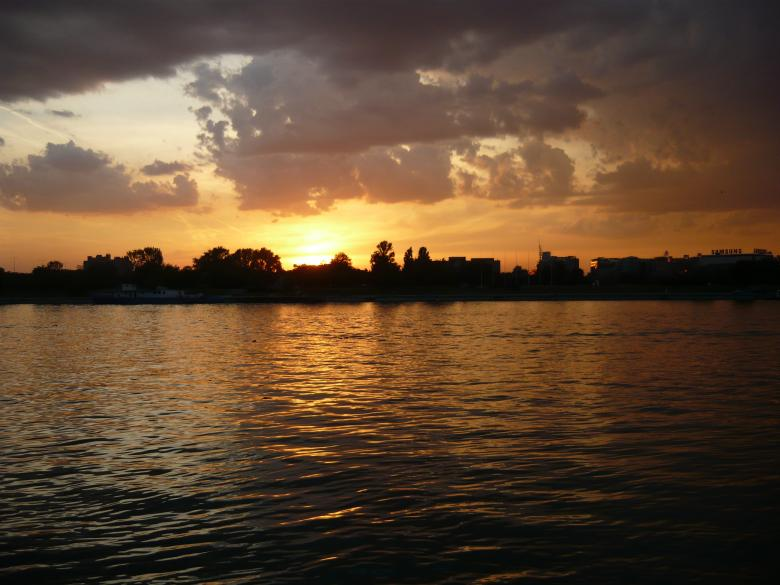 Free Stock Photo of Sunset on the river Sava, Belgrade Created by Goran Stanojevic