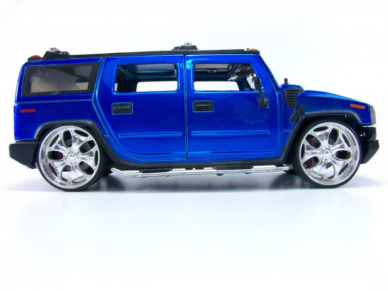 Free Stock Photo of Blue hummer toy Created by homero chapa