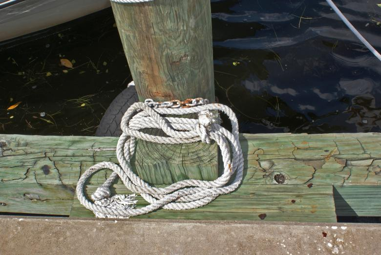 Free stock image of Rope and pier timber created by Jesus Baez