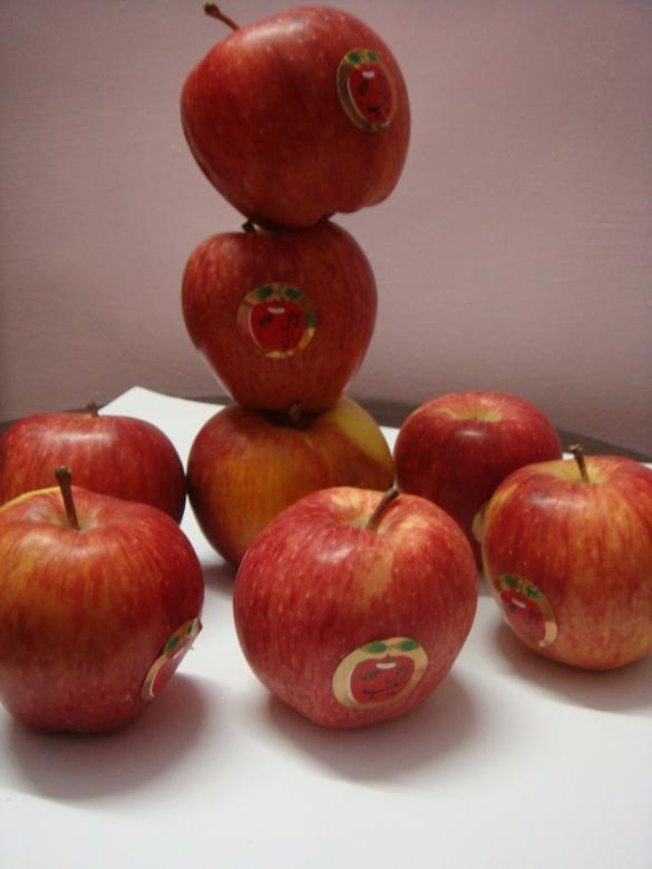 Free Stock Photo of Red Apples Created by Ali Haider