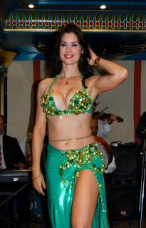 Belly dancer Free Photo
